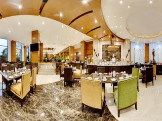 Radisson Blu Mbd Hotel Noida Rooms Rates Photos